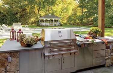 Smart, Stylish Designs for Outdoor Kitchens